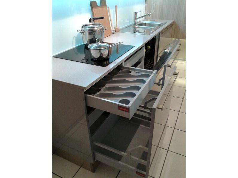 Cucina Veneta Cucine Carrera go plus Laccato Lucido