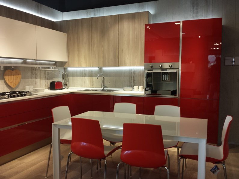 Cucina Veneta cucine moderna ad angolo rossa in laccata