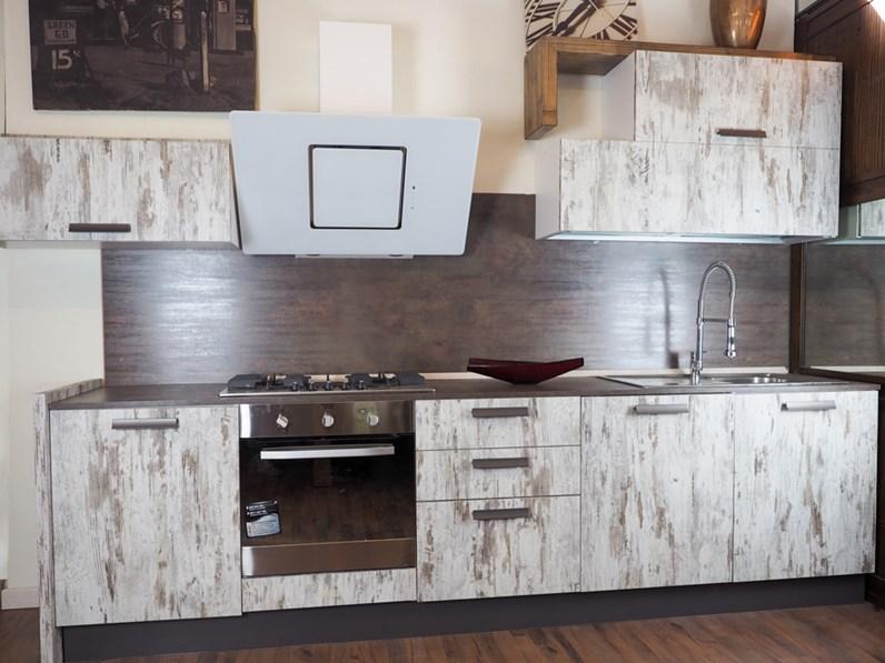 cucina vintage etnica linerae con elettrodomestici design
