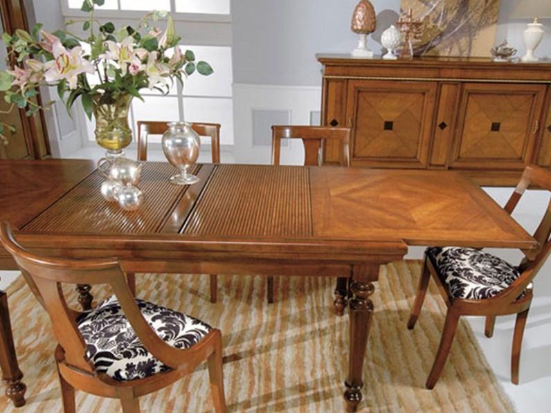 Tavolo in legno allungabile intarsi di noce