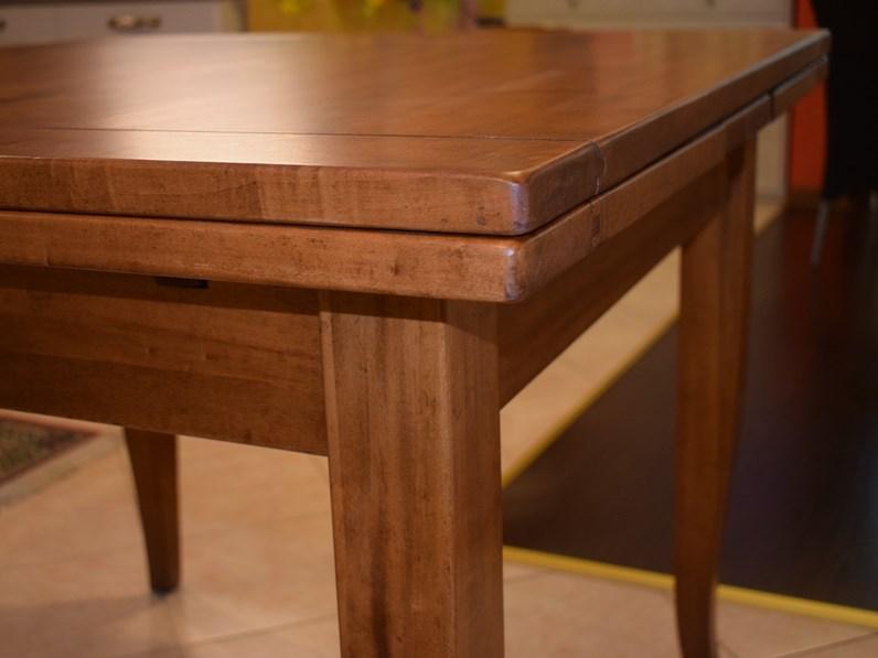 Tavolo in legno allungabile quadrato