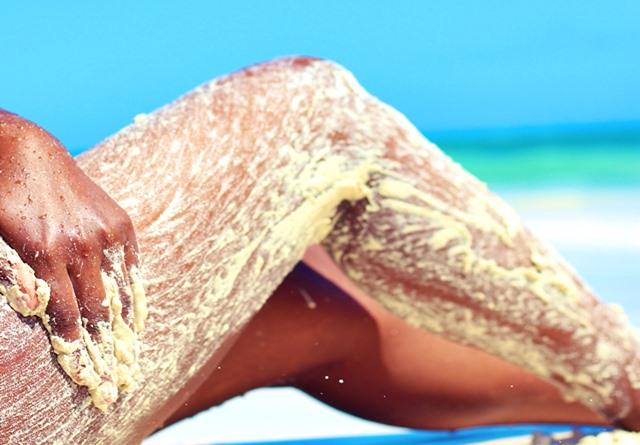 Exfoliante natural de aceite de coco y arena