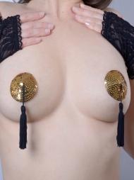 Copricapezzoli  paillettes oro con nappa