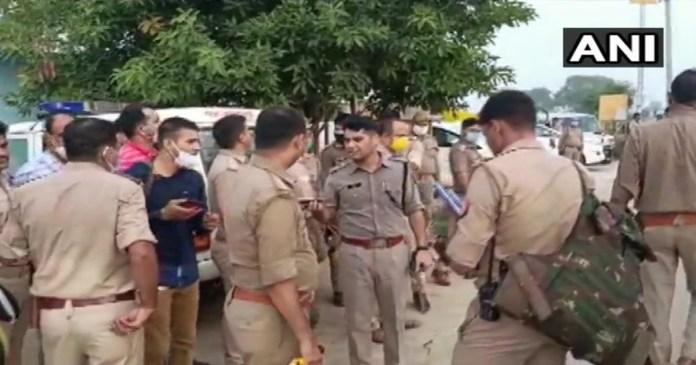 8 cops killed in encounter