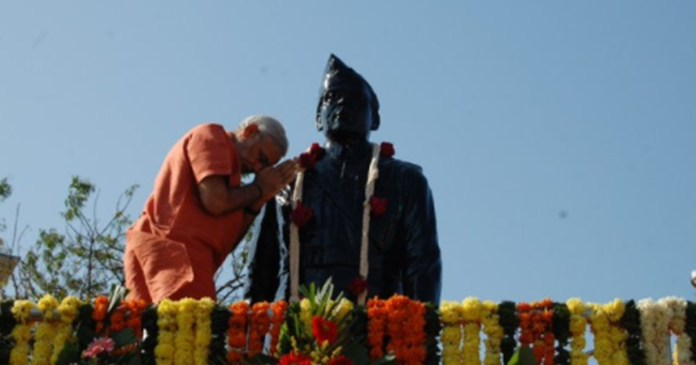 Prime Minister Modi tweeted expressing his desire to build a self-reliant India through Netaji's thoughts and ideals.