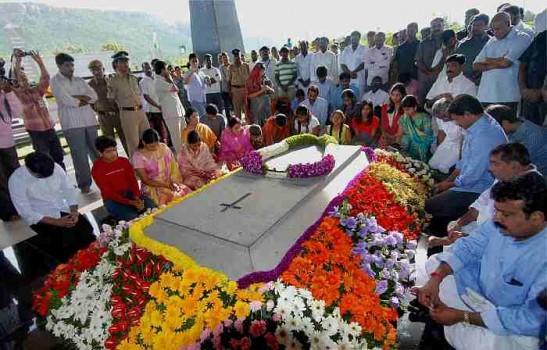 Image result for ys rajsekhar reddy funeral