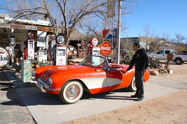 Estação de gasolina antiga na Rota 66