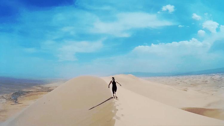 andando em dunas mongolia