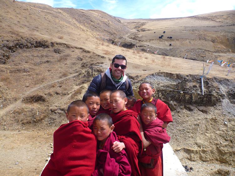 Pequenos monges budistas