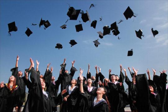 Foto de graduação de estudantes