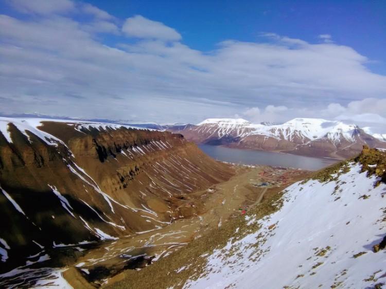 Svalbard Norway Longyearbyen Hike Sarkofagen Hiorthfjellet Mountain