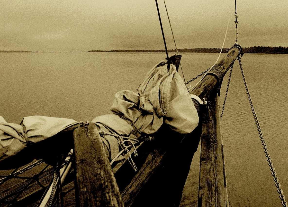 Laivan keula merellä.