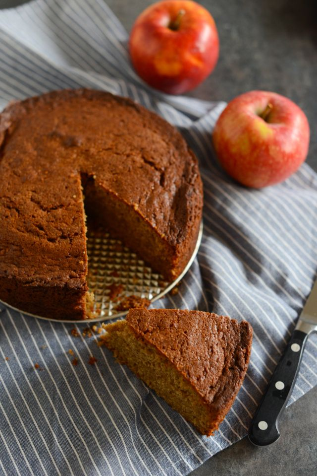 Ginger Cake and Apples