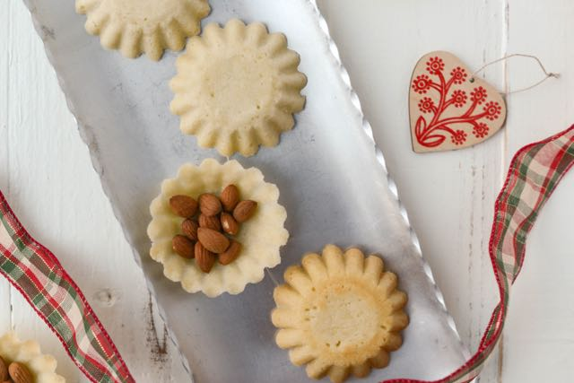 Norwegian Christmas Cookies Sandkaker Sandbakkelse Outside Oslo