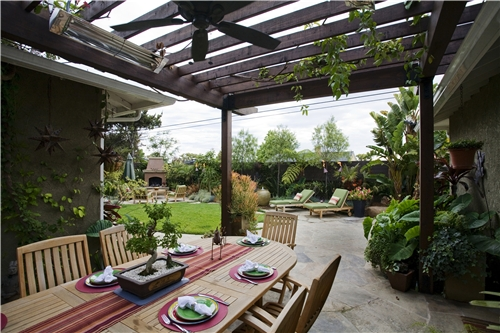 Open pergola with outdoor dining