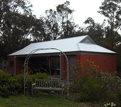Outdoor structure for bushfire prone area by Outside Concepts