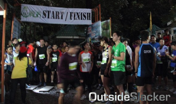 Nature's Trail Discovery Run 10k runners waiting for gun time