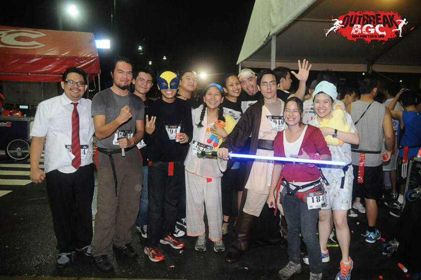 Runners in costumes at Outbreak Manila BGC 2012