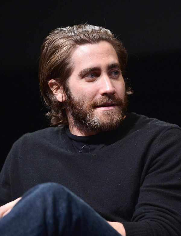 Jake Gyllenhaal Brown Medium Length Hair & Amazing Beard Style