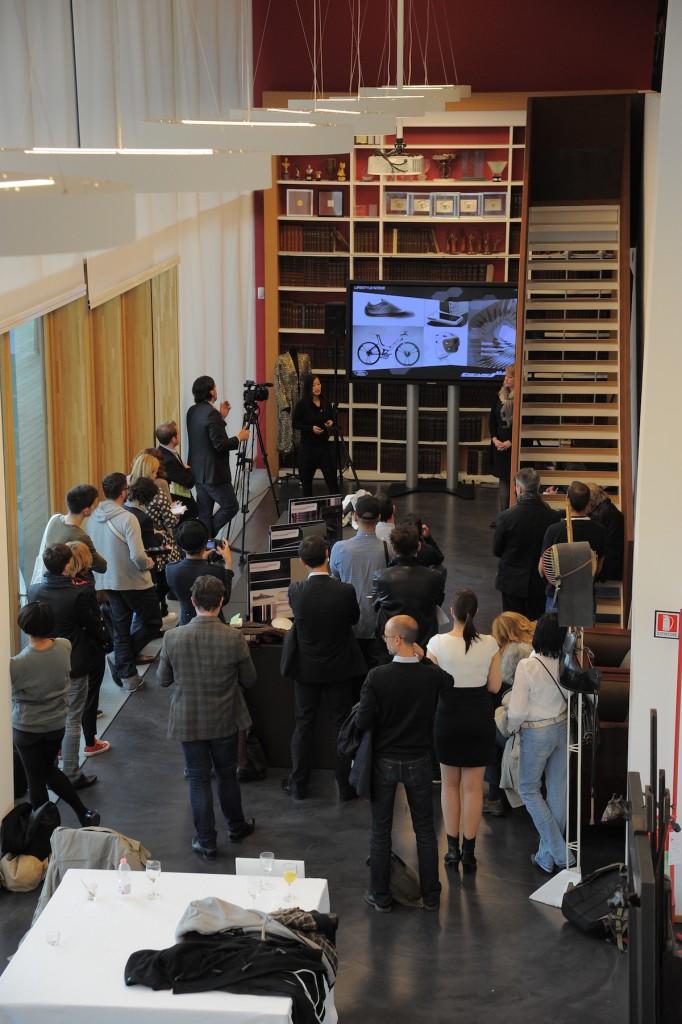 Salon International du Meuble de Milan 2012  Ovale Bleu