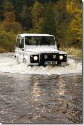 2012 Land Rover Defender (15)