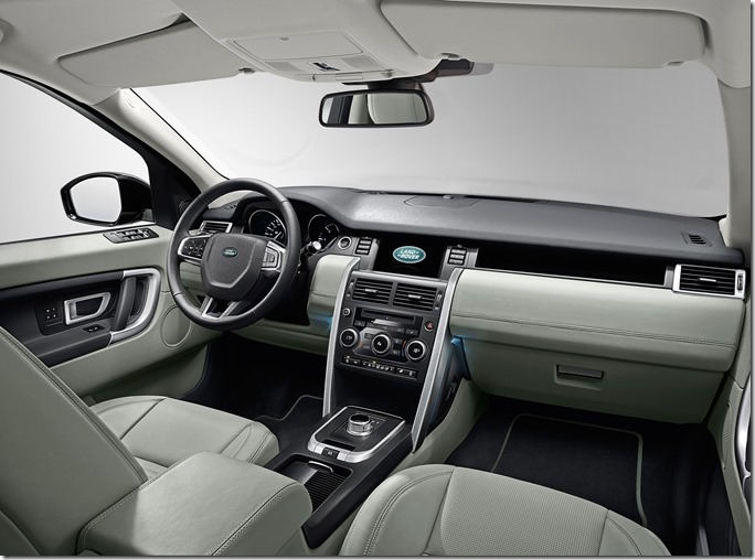 Land Rover Discovery Sport Interior (1)