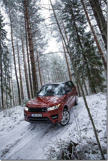 MY2014 Range Rover Sport in the Snow (10)