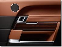 Range-Rover-Autobiography-Black-LWB---NA-Reveal-(1)