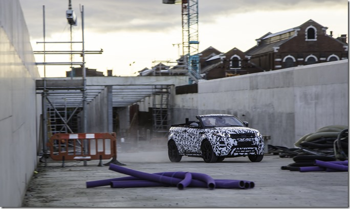Range Rover Evoque Convertible at Crossrail (1)