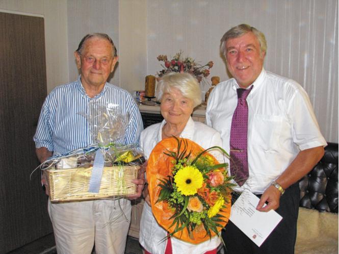 Alfred und Siglinde Prokoph feierten Diamantene Hochzeit. Dazu gratulierte Bürgermeister Franz Heinritzi. Foto Baumann