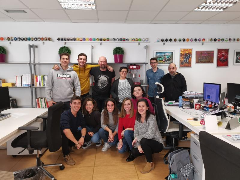 Emprendedores de LEINN visitan Overalia para aprender de marketing digital