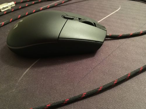 small resolution of the differencce the cord makes when flexible and light weight gives the same effect of mouse bungee for me