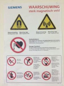 MRI poster in het Antonius ziekenhuis Nieuwegein. Hoe overleef ik de MRI