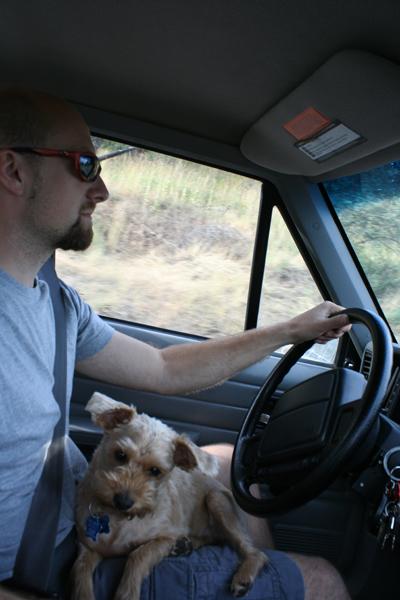 Ella found her prefered seat in the Jeep. MINE!