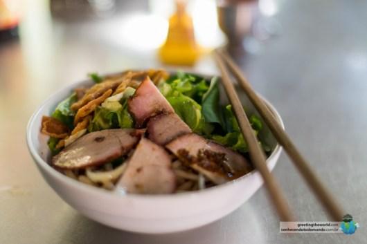 Um exemplo de refeição por menos de 2 dólares no Vietnã