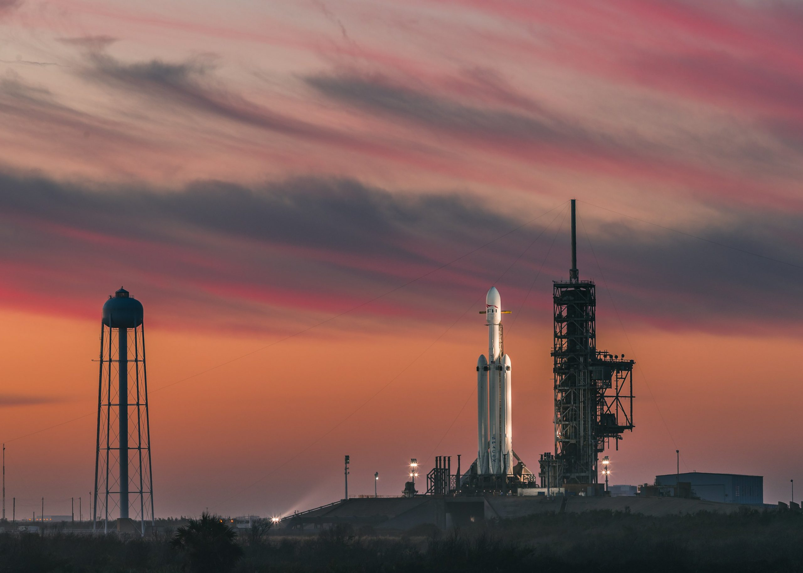 SpaceX to launch Dragon XL cargo capsule for NASA's Lunar ...