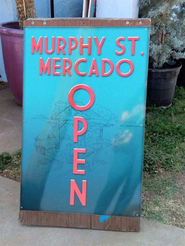 Mercado Sandwich Sign