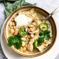 chicken chili with yogurt and jalapenos
