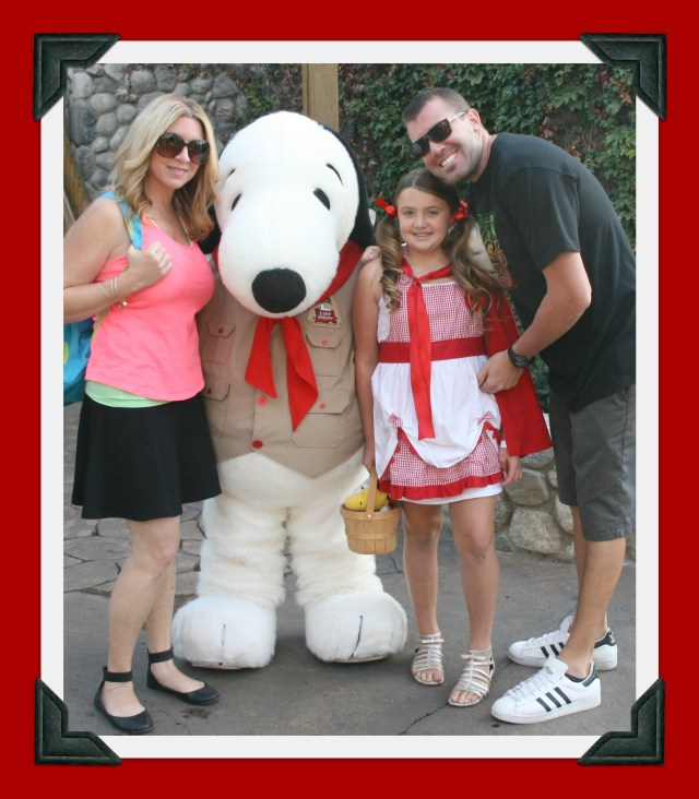 family with snoopy