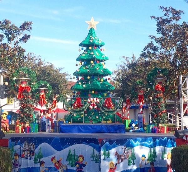 2015-Holiday-Snow-Days-Tree-2
