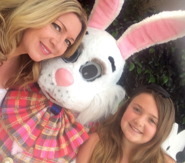 Irvine-park-railroad-easter-eggstravaganza-bunny-photo