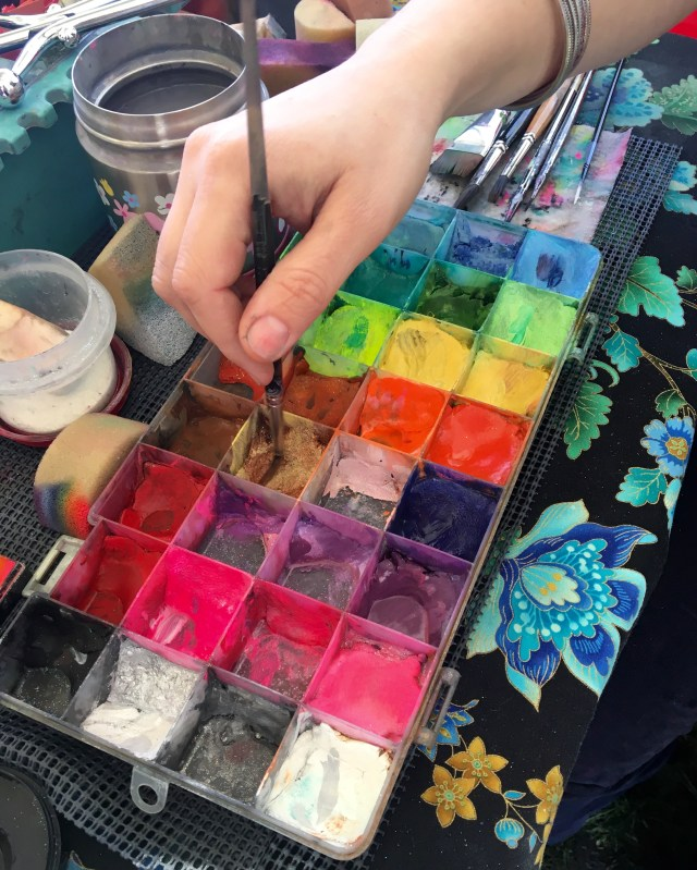 irvine-park-railroad-easter-eggstravaganza-face-painting