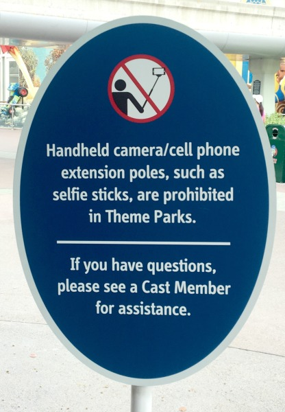 no-selfie-sticks-disneyland-resort