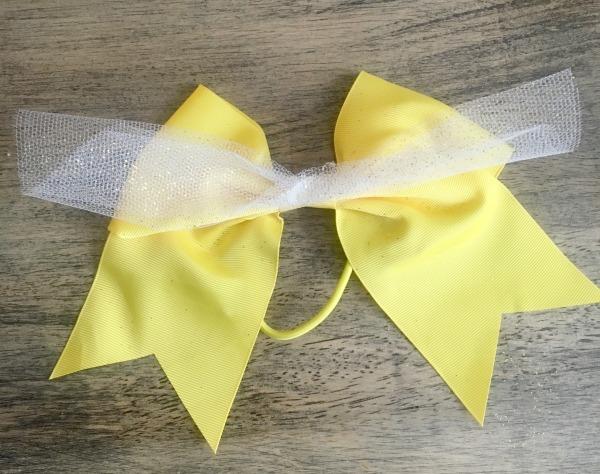 diy-belle-bow-glue-the-tulle