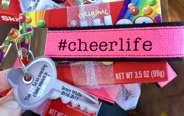 cheer-gifts-with-skittles