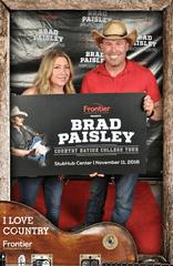 brad-paisley-fan-appreciation-photo