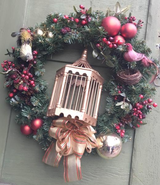 knotts-merry-farm-decorations-birdcage