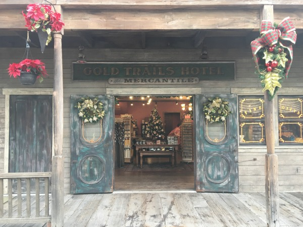 knotts-merry-farm-mercantile