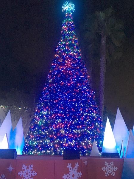 seaworld-christmas-celebration-tree