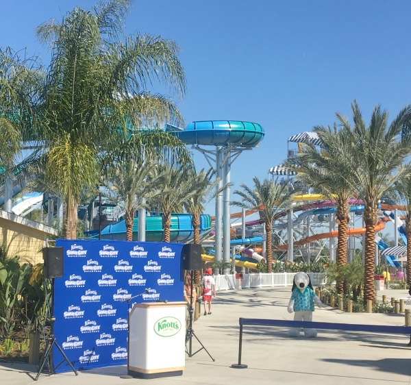 knotts-soak-city-ribbon-cutting